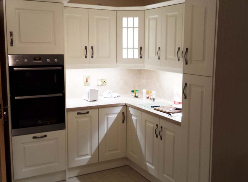 Quality Ivory Fitted Kitchen